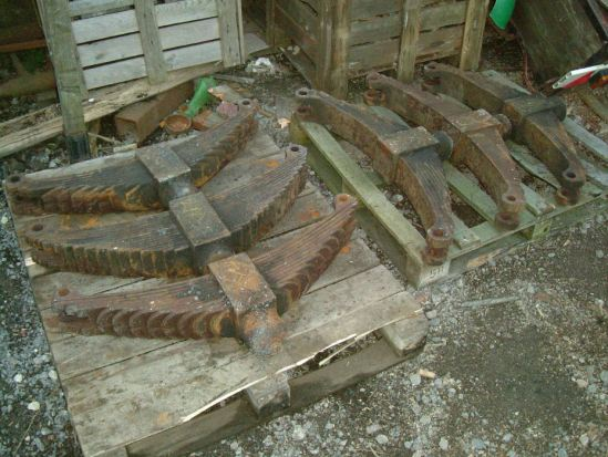 These are the springs from the tender - they will  soon be going away for overhaul and re-tempering.  At some point in its  life the tender was fitted with one odd spring with more leaves that all the  others.  This will be corrected during the spring re-furbishement.